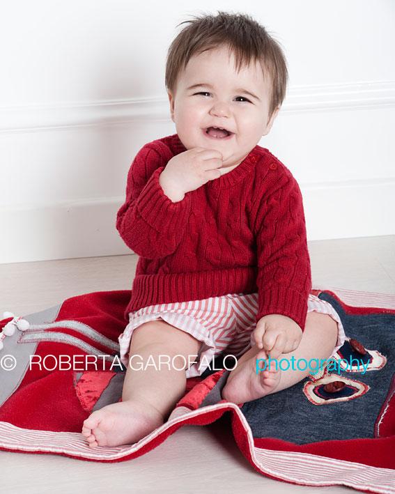 Sessione fotografica bambino, Roma. Foto bambino che ride. Roberta Garofalo, Fotografo professionista di Maternità, Neonati, Bambini e Famiglie, Roma
