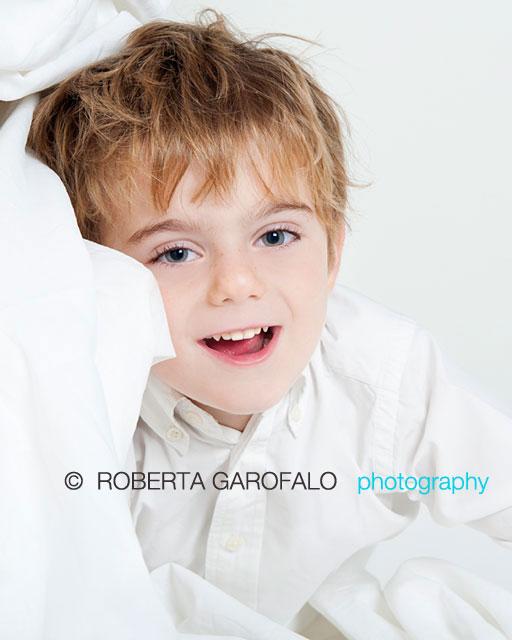 Sessione fotografica per bambini, Roma. Foto di bambino che sorride. Roberta Garofalo, Fotografo professionista di Maternità, Neonati, Bambini e Famiglie, Roma