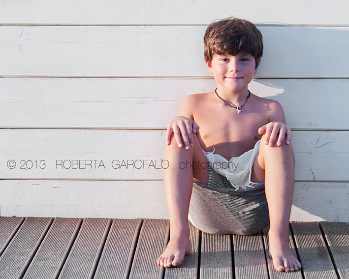 Sessione fotografica estiva per bambini. Fotografia bambino al mare. Roberta Garofalo, Fotografo professionista di Maternità, Neonati, Bambini e Famiglie, Roma