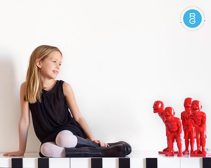 Fotografia di bambina su pianoforte. Roberta Garofalo photography, Fotografo professionista di Maternità, Neonati, Bambini e Famiglie, Roma