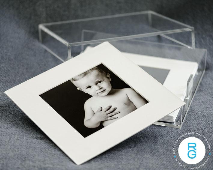 Cofanetto in perspex per stampe fine art di Roberta Garofalo, Fotografo professionista di Maternità, Neonati, Bambini e Famiglie, Roma