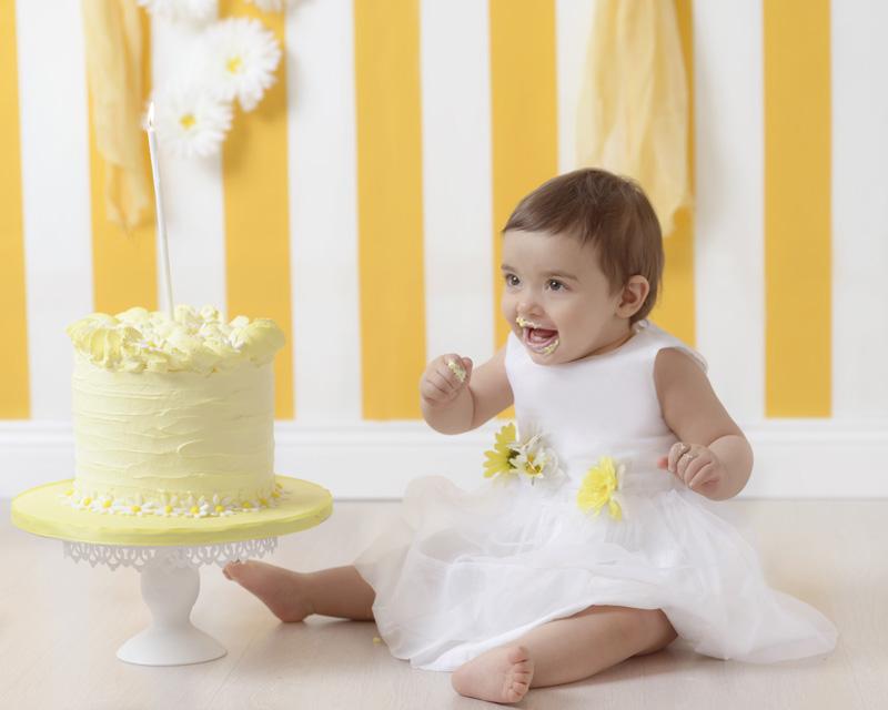 Sessione fotografica smash cake primo compleanno per bambini, Roma